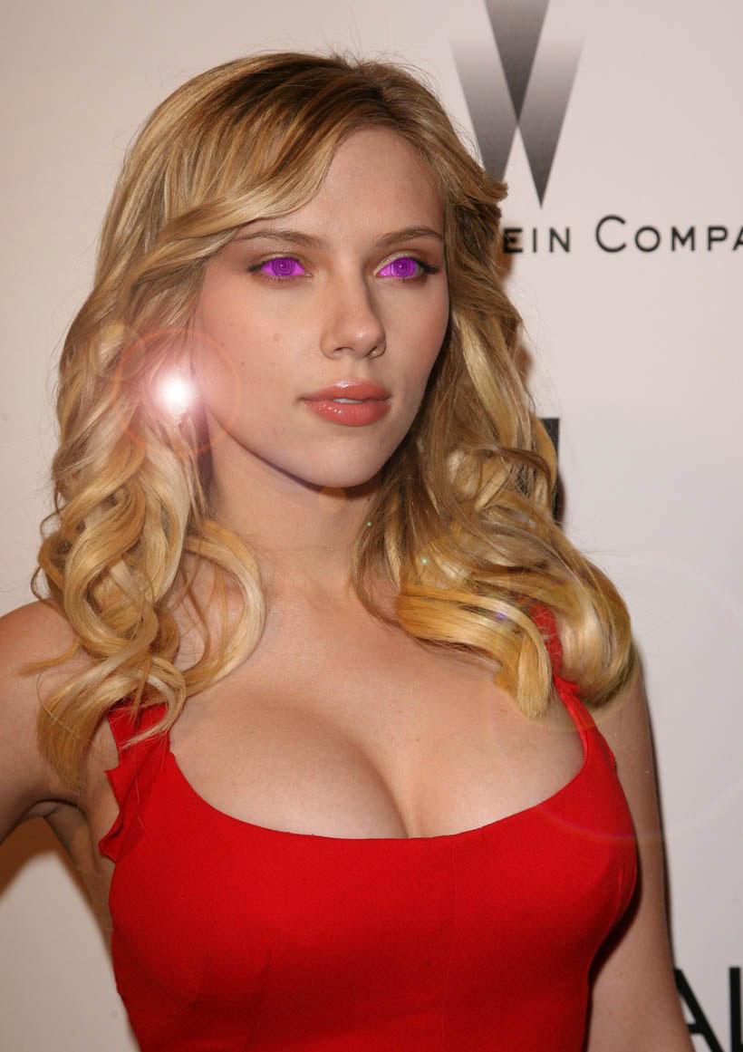Scarlett Johansson Hypnotized by charcomb