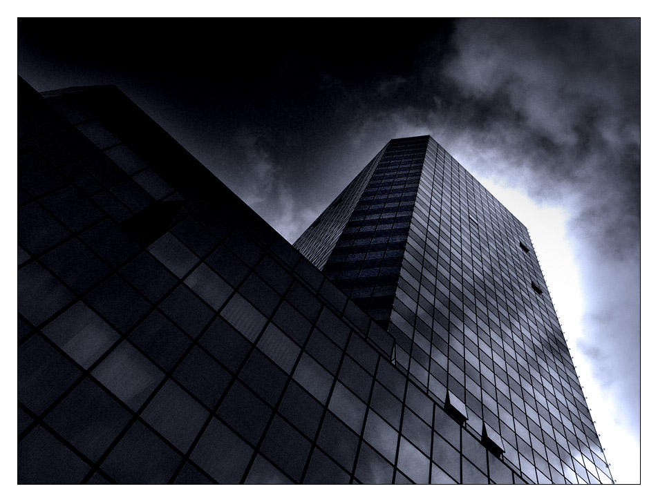 Blue tower. by rumun