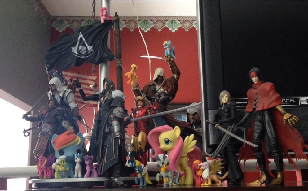Figures 'n Statues 'n Junk by RedApropos