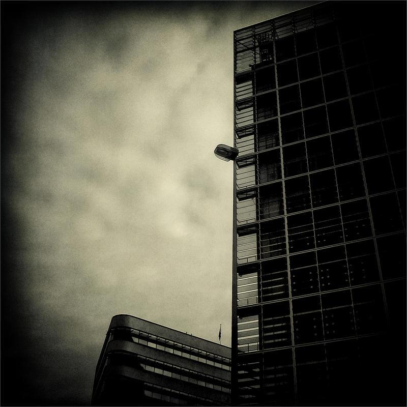 Closed At Night by KizukiTamura