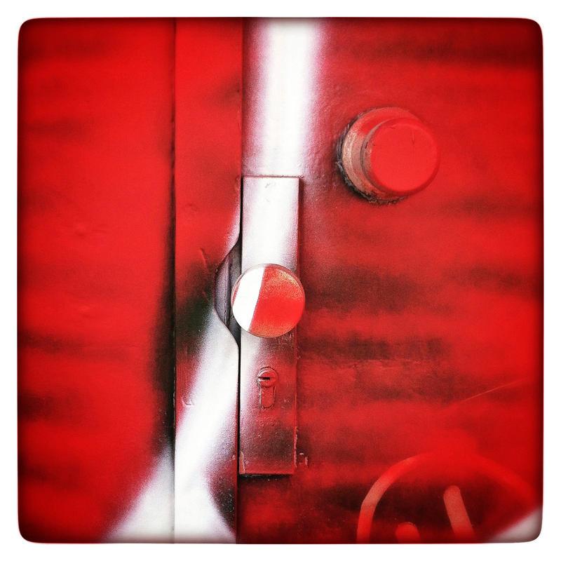 Red Lock by KizukiTamura