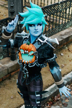 Will-o-the-Wisp Tracer Cosplay 7