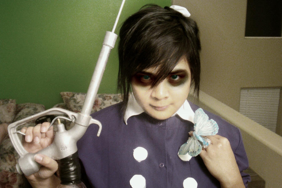 Bioshock Little Sister Cosplay (with tutorial) by akidearest on ...: akidearest.deviantart.com/art/Bioshock-Little-Sister-Cosplay-with...