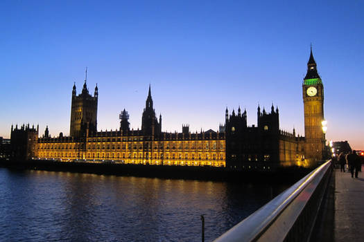 LONDON - Parliament House by night