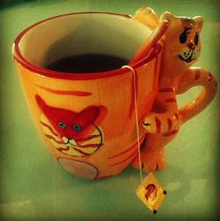 KitTea Cup by MishUMuch
