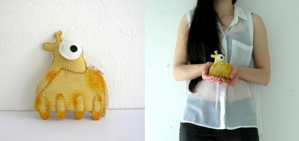 Mini Giraffe Coin Purse by vannesdesigns