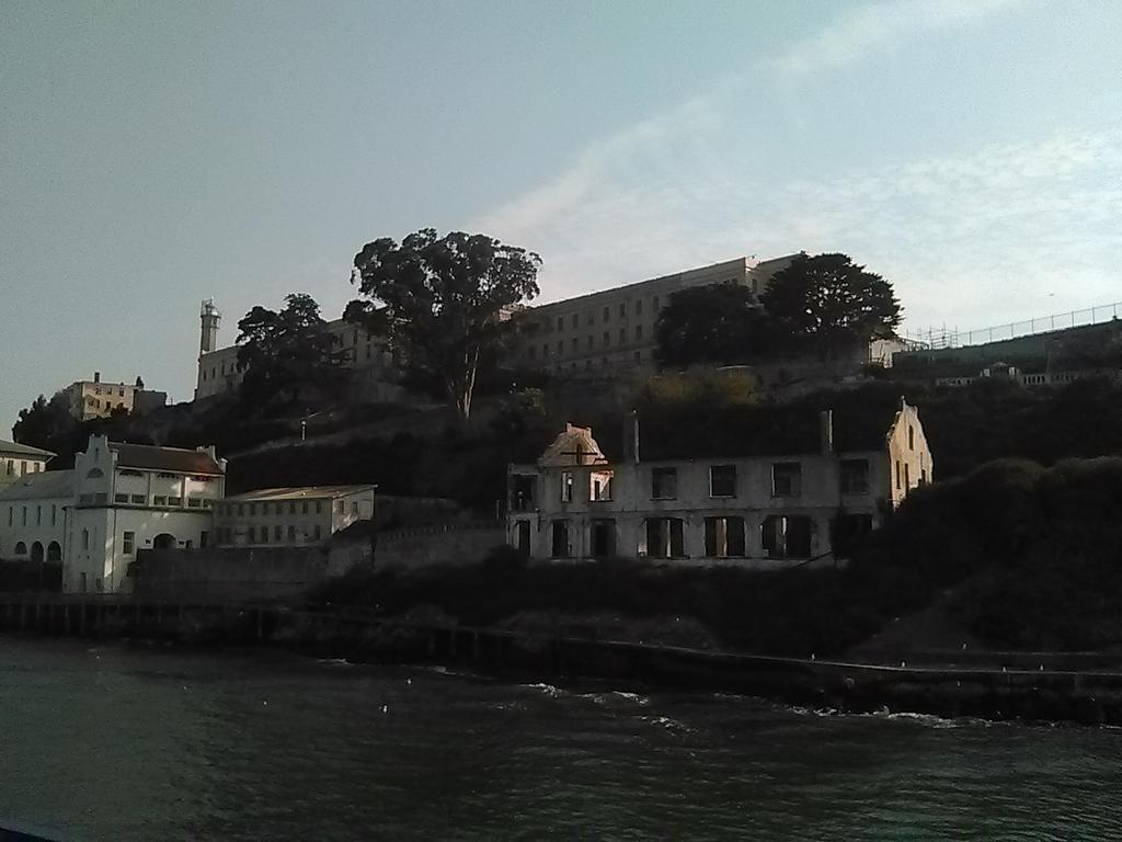 Alcatraz Prison by JoshuaTheFurry