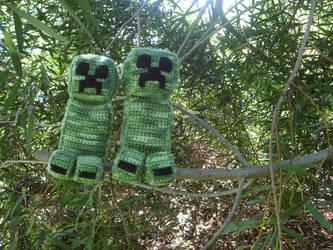 Creepers In A Tree by HeavensLastHope