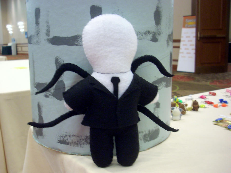 Amigurumi Slender Man : Slender Man Plushie