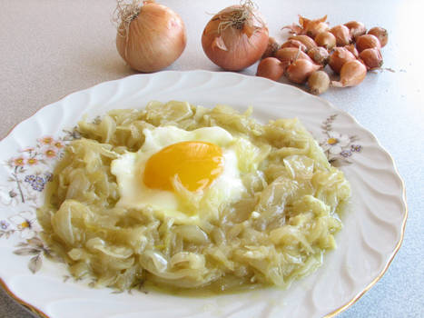 Egg with onion