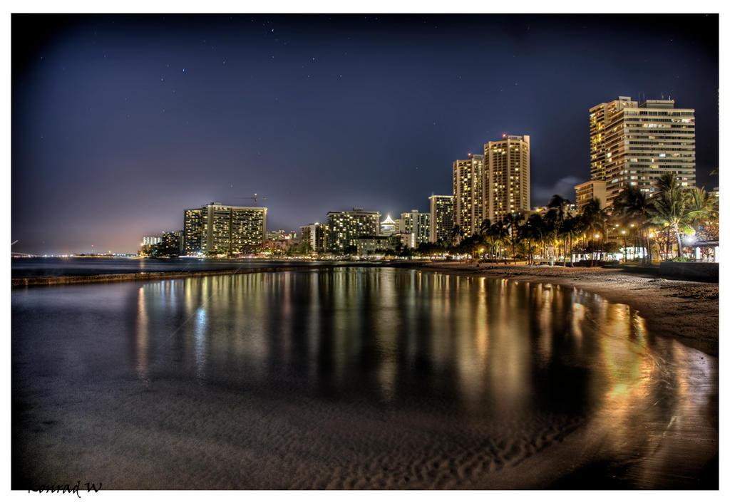 Nights of Honolulu by TheDarkTrinity