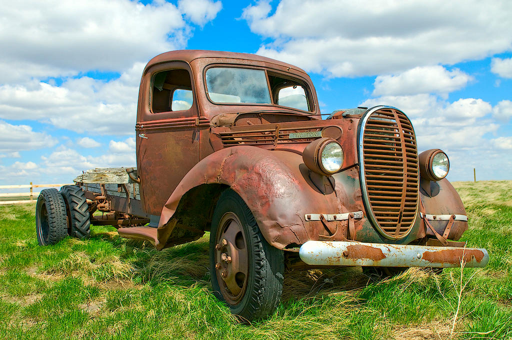 Old truck by MoCity on DeviantArt