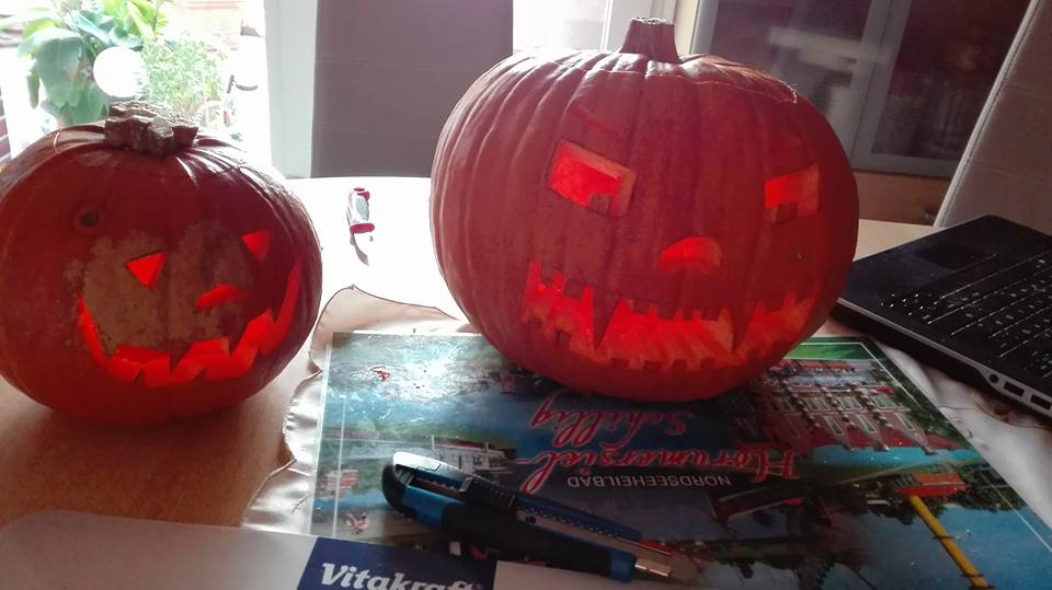 Handmade pumpkin lanterns by victorymon