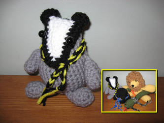 Amigurumi Pattern Crochet - Bono, the Badger - | 250x333
