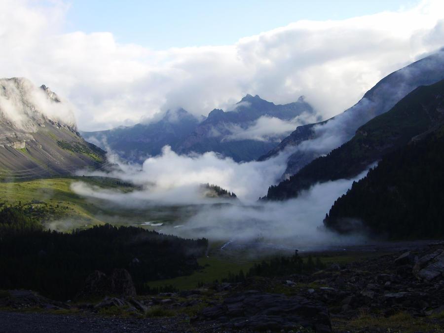 Misty mountain by Sabbie89