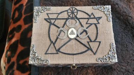 Moon tarot box pic #1-top view 5 element pentagram