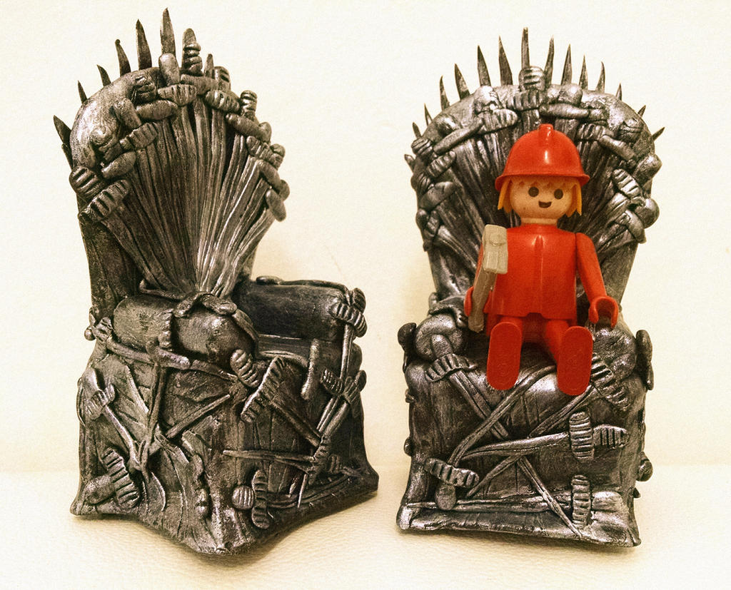 Iron throne clay game of thrones by artesladybug on deviantart for Iron throne painting