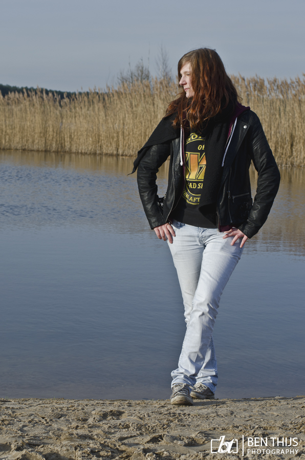 Posing at the lake by BenThijs