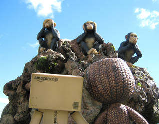 Danbo and Sackboy reach the top by DanloTheWild