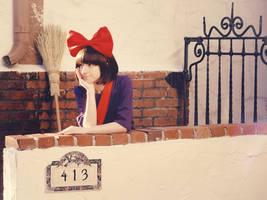 Daydreaming by SAYA-LOURA