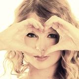 LoveLoveLove by xbeachgirl13