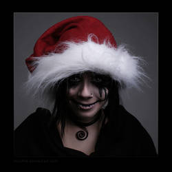 Creepy Christmas by hoschie