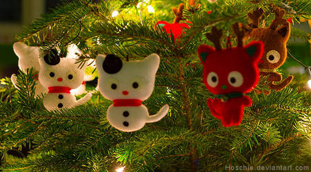 Christmas-tree ready for SantaPaws by hoschie