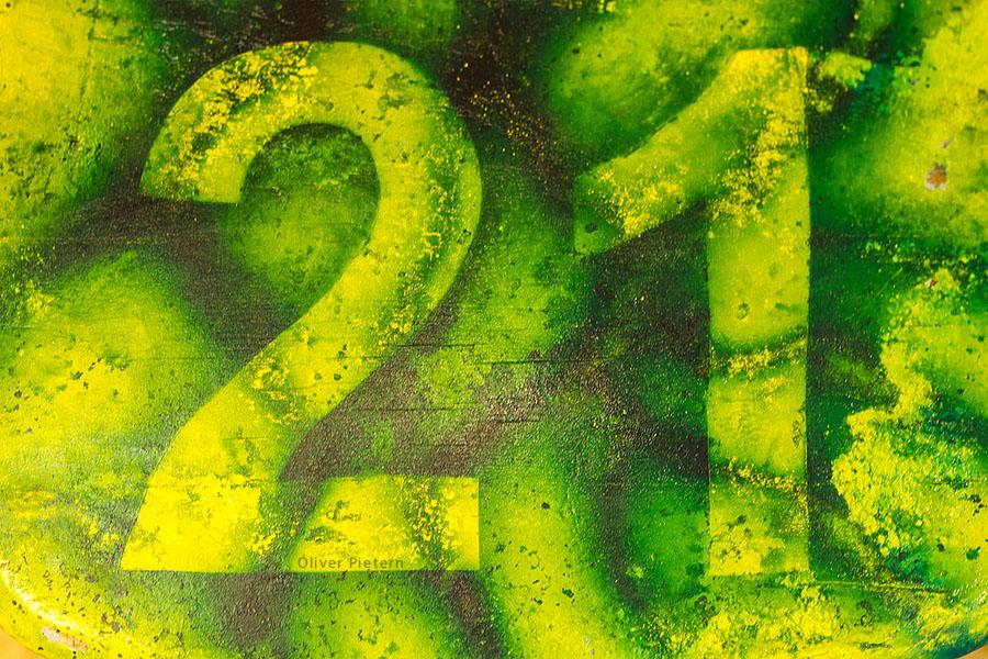 Einundzwanzig by hoschie