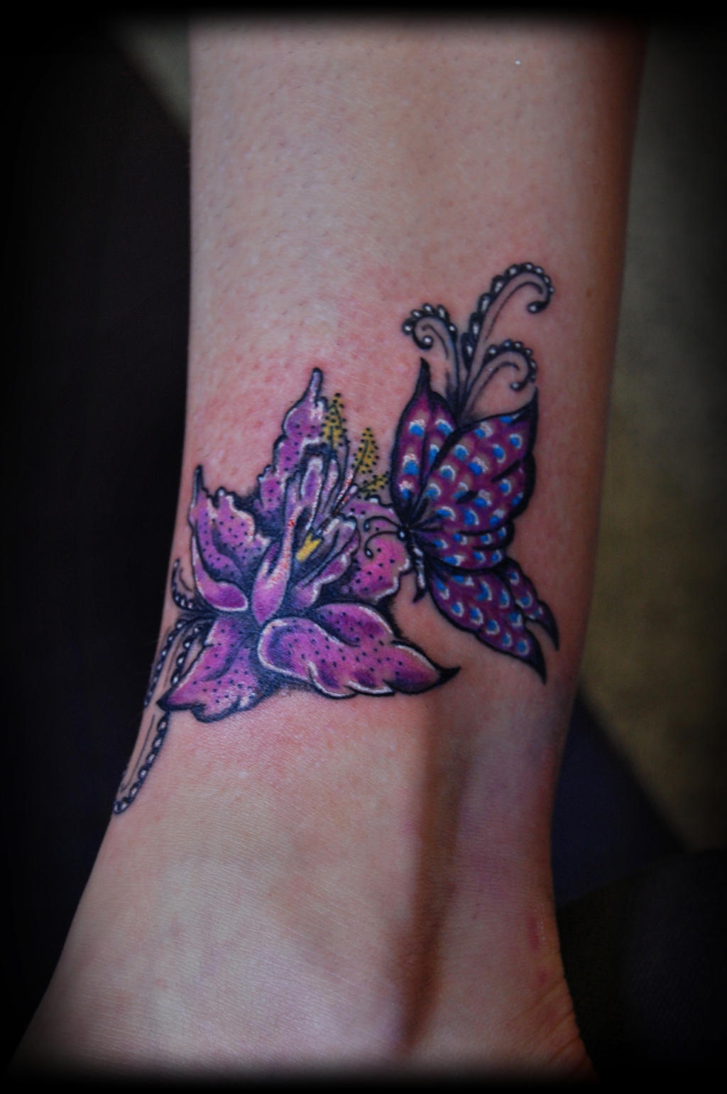 Butterfly flower tattoo by lilithhate on deviantart for Flower and butterfly tattoo