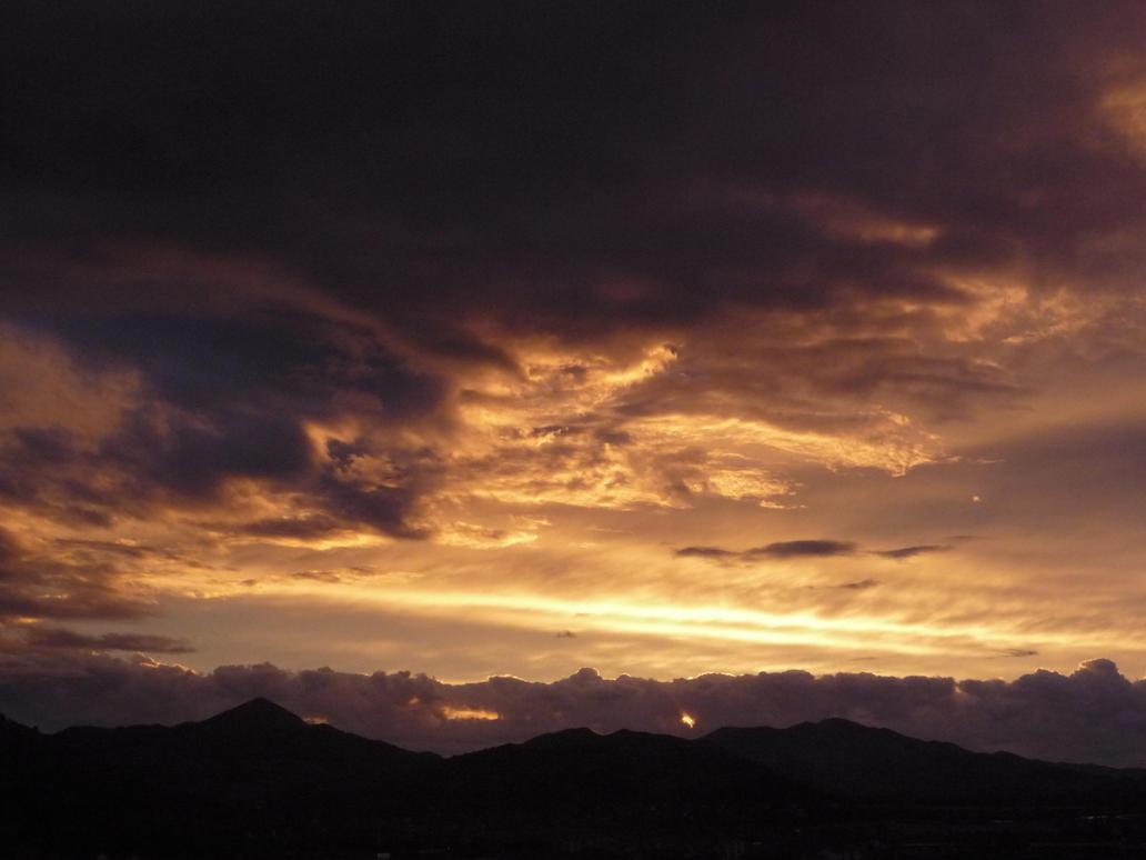 Heaven in the sky by EmphasizeDarkness