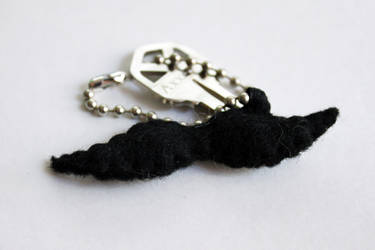 Mustache key chain by CakeFruit
