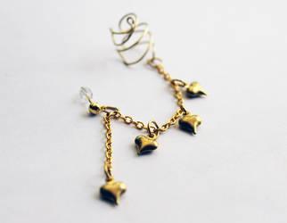 Antique Gold Heart Ear Cuff by CakeFruit