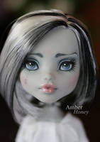 Skull Shores Frankie repaint - face by Amber-Honey