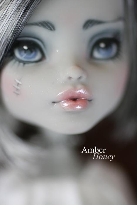 lip detail by Amber-Honey
