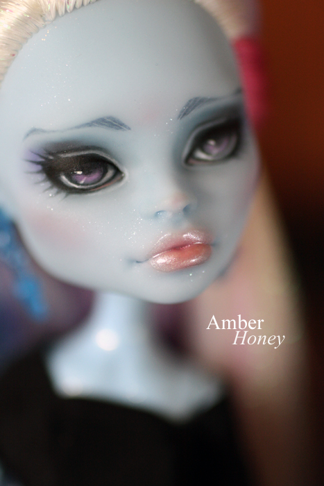 Abbey repaint - lips by Amber-Honey