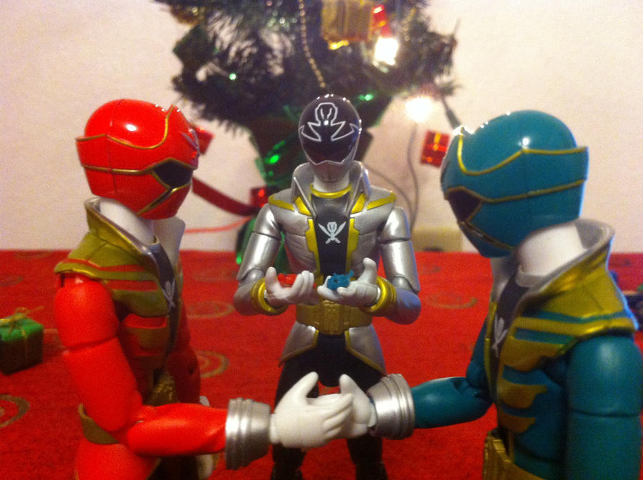 Gokai Christmas by eternalview on DeviantArt