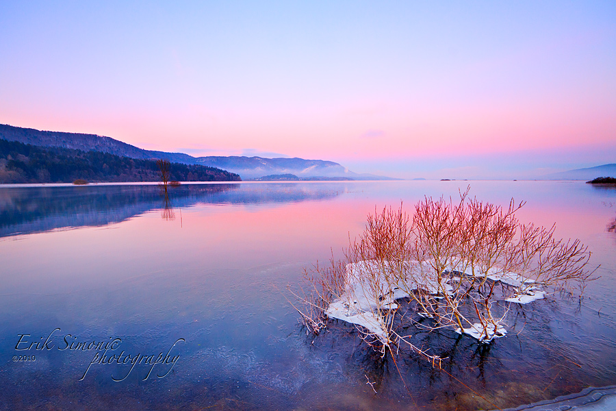 Sunrise at lake Cerknica by eriksimonic