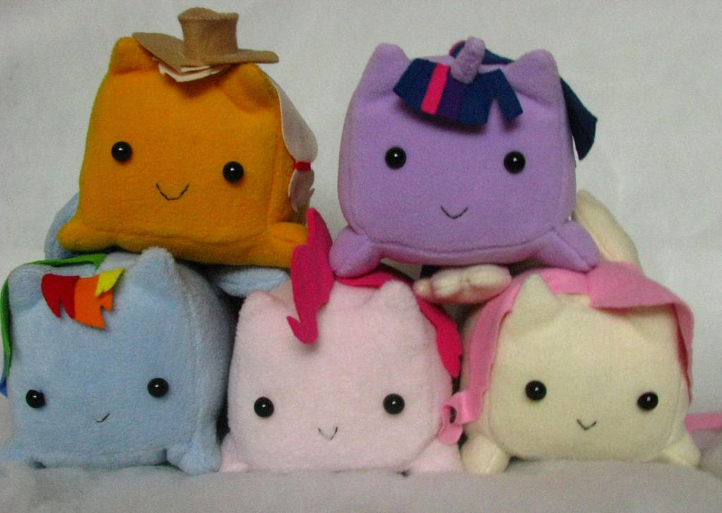Loaf ponies by chu-po-po