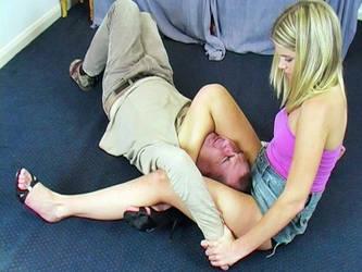 La honte d'un homme vaincu par une fille by AngelaSprang
