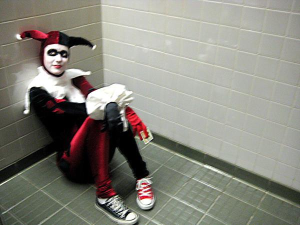 harley quinn in the bathroombroadwaydancer on deviantart