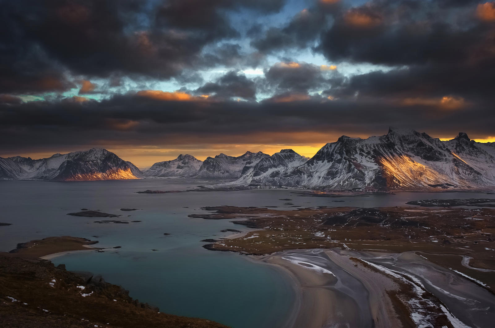 Utsikt fra Yttersandheia by steinliland