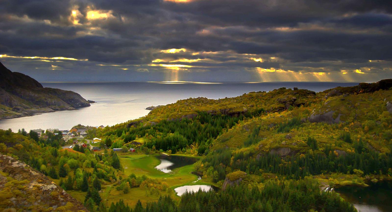 Autumn in Nusfjord by steinliland