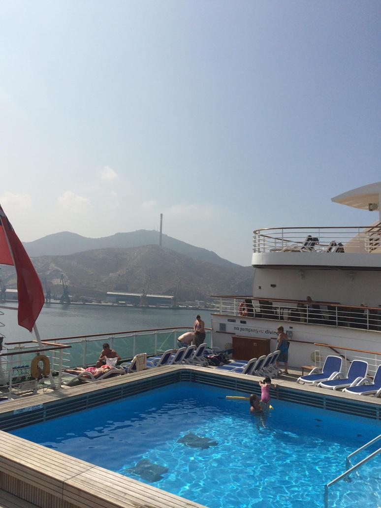 Cruise 5 by GHENGIZZ