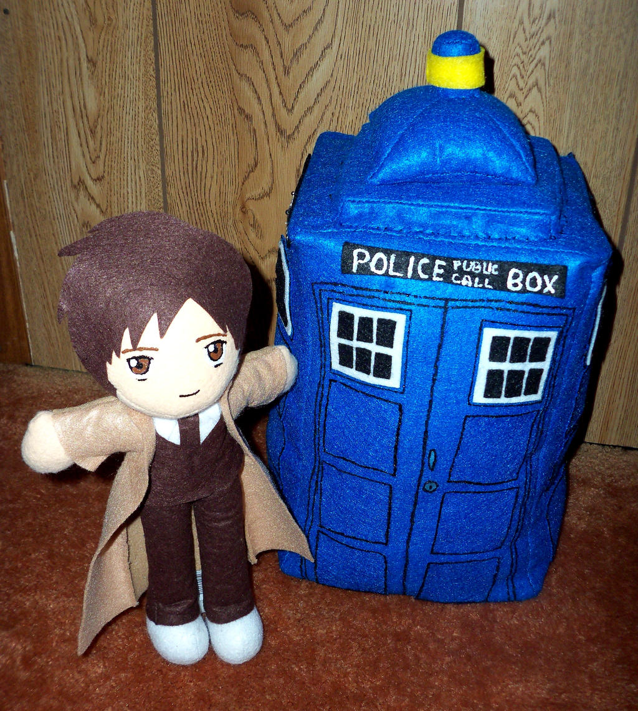 10th Doctor and Tardis by TashaAkaTachi