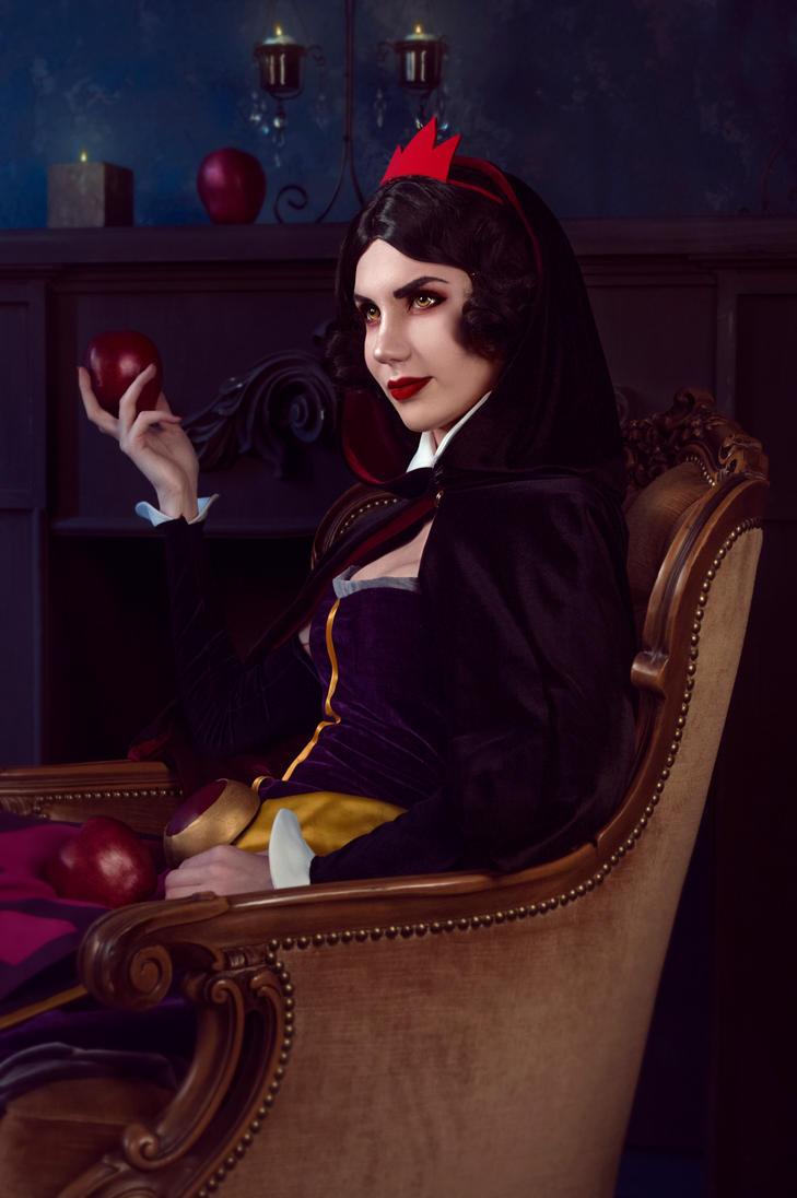 Dark SnowWhite - cosplay crossover StarWars|Disney by Lika-tyan