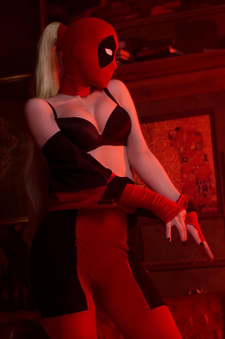 Lady Deadpool by Lika-tyan