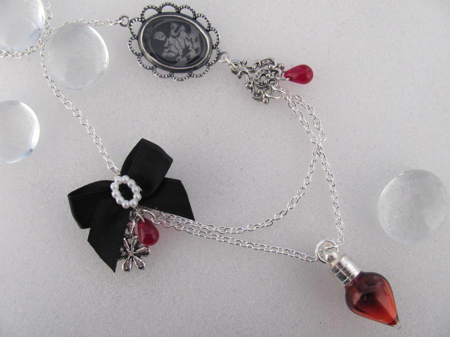 Twilight Necklace By Lexxamatronik On Deviantart