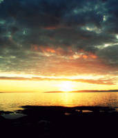 Dark Sunset by ASHURII-sgtfunkytown