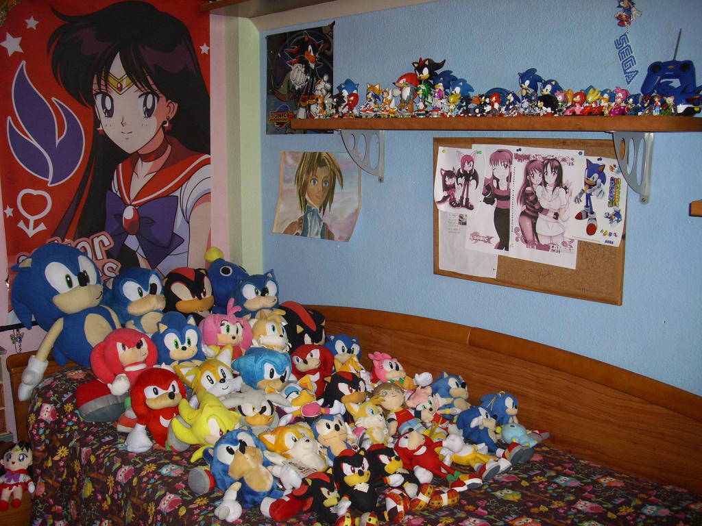 August 2014 Sonic Plushies and Sonic Shelf by 7marichan7. August 2014 Sonic Plushies and Sonic Shelf by 7marichan7 on DeviantArt