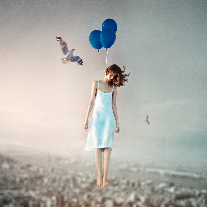 The girl, who hanging on balloons, and her seagull by Thaess